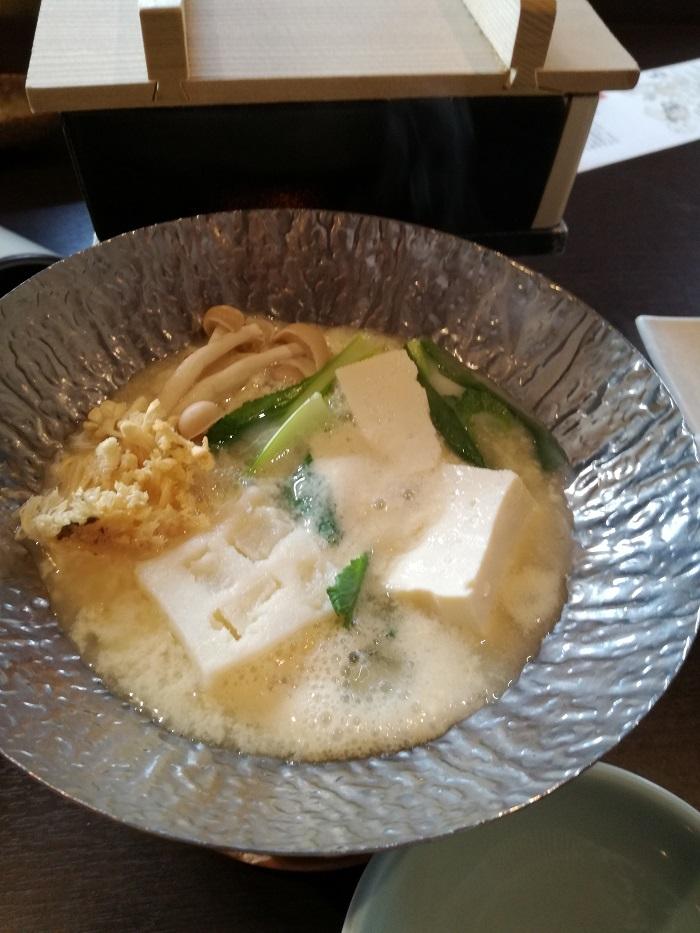 朝食の豆乳湯豆腐