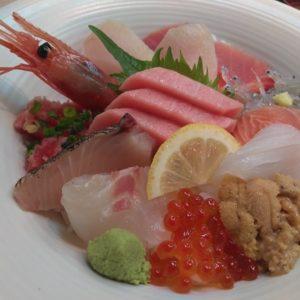 極み海鮮丼アップ